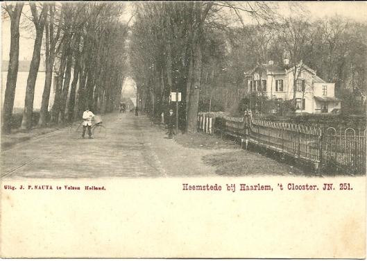 De Binnenweg begin 1900 met villa 't Nieuw Klooster van de familie Dolleman-Quarles van Ufford. TTer hoogte van deze plaats bevindt zich tegenwoordig de winkelgalerij.