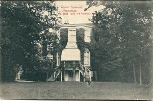 Achterzijde Ipenrode met uitbouw op een ansichtkaart uit 1911