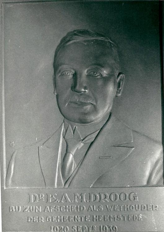 Bronzen herdenkingsplaquette in het Gezondheidshuis Heemstede gewijd aan dr. E.A.Droog, 1939, (foto Vic Klep)