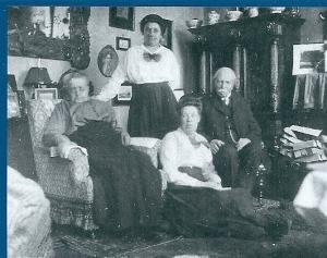 A.J.E.Baron van Ittersum met echtgenote en 2 dochters