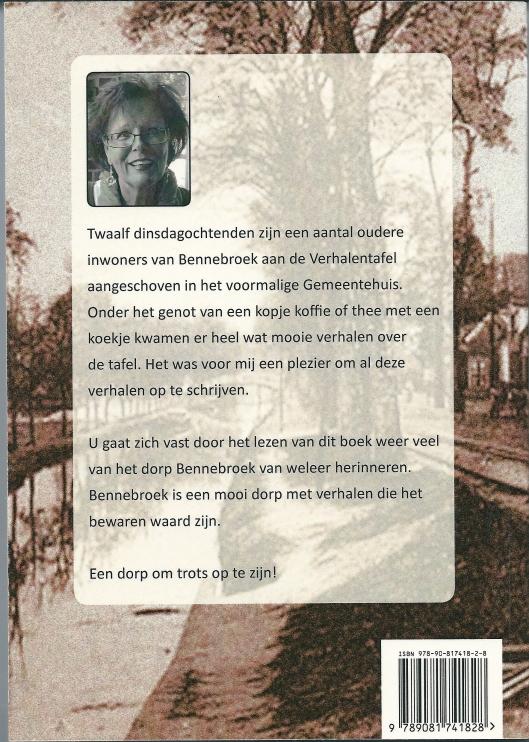 Achteromslag van uitgave: 'Mooi dorp; Bennebroekse verhalen' Verkrijgbaar via Bruna in Bennebroek of www.sybilvandam.nl