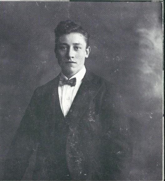 Een gangmaker bij bruiloften en partijen was de humorist Jan Toledo. Samen met Jan van Westerhoven vormde hij een komisch duo in het Heemsteedse.
