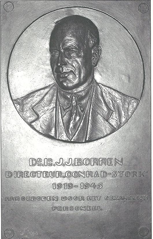 Plaquette in herinnering aan dr.J.J.Borren (Historisch Museum Haarlem, foto Maarten van Ingen)