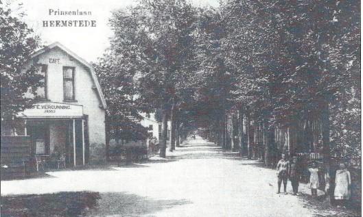 Het café van Jaap Kooy begin 20ste eeuw aan de Prinsenlaan op de Glip