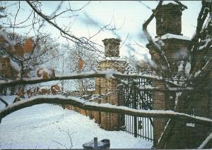De vm. tolpoort Haarlem-Leiden in wintertooi