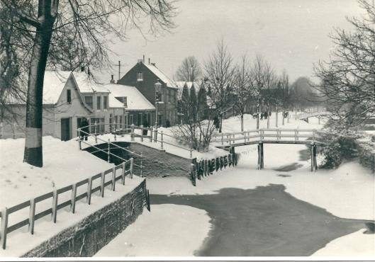 De Kerklaan in wintertooi, Foto van A.Nelissen, circa 1960