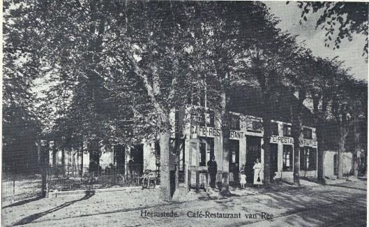 Café-restaurant Van Ree dat eerder woonhuis was van kweker Quirinus van den Berg voordat deze verhuisde naar het nabijgelegen pand waar dokter Nout lange tijd zijn praktijk uitoefende. In 1956 is het pand gesloopt om plaats te maken voor de Pinksterkerk