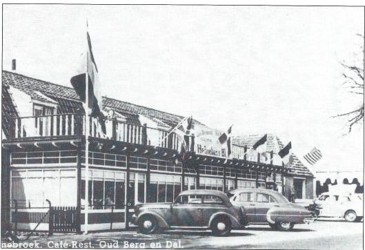 Café-restaurant Oud Berg-en Dal aan de Rijksstraatweg in Bennebroek