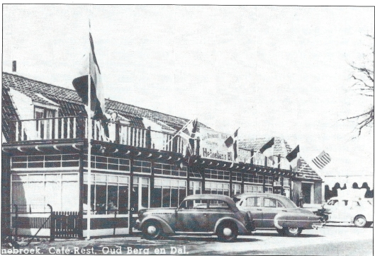 Café-restaurant Oud Berg en Dal aan de Rijksstraatweg in Bennebroek