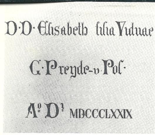 Inscriptie op marmeren commiebank uit 1879 in S.Bavokerk in herinnering aan mw. G.Preijde-van Pol, 1879.