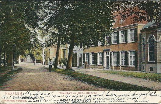 Oude ansichtkaart van 'Vredenhof' aan de Kleine Houtweg uit 1905