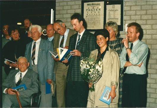 Bij de presentatie van het fotoboek 'Bennebroek in grootmoederstijd', samengesteld door Daphne Riupassa, 8 mei 1988.