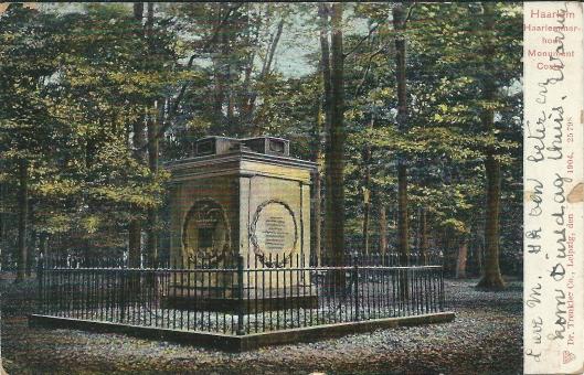 Monument in herinnering aan Lourens Janszoon Coster in de Haarlemmerhout, legendarische uitvinder van de boekdrukkunst, op een in Leipzig uitgegeven prentbriefkaart uit begin 1900