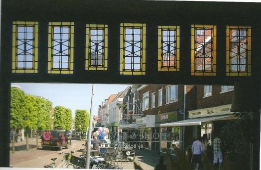 Glas-in-loodramen, Raadhuisstraat 54