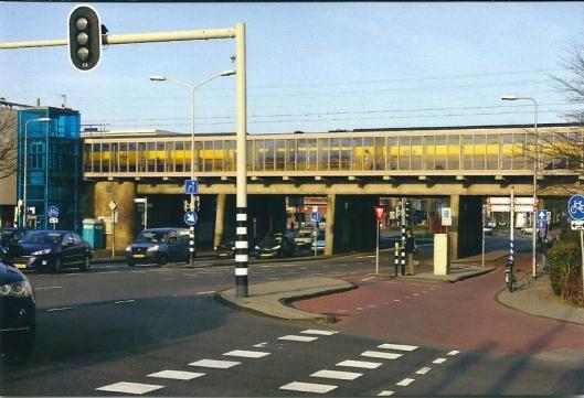 Spporwegstation met hoogspoor Heemstede
