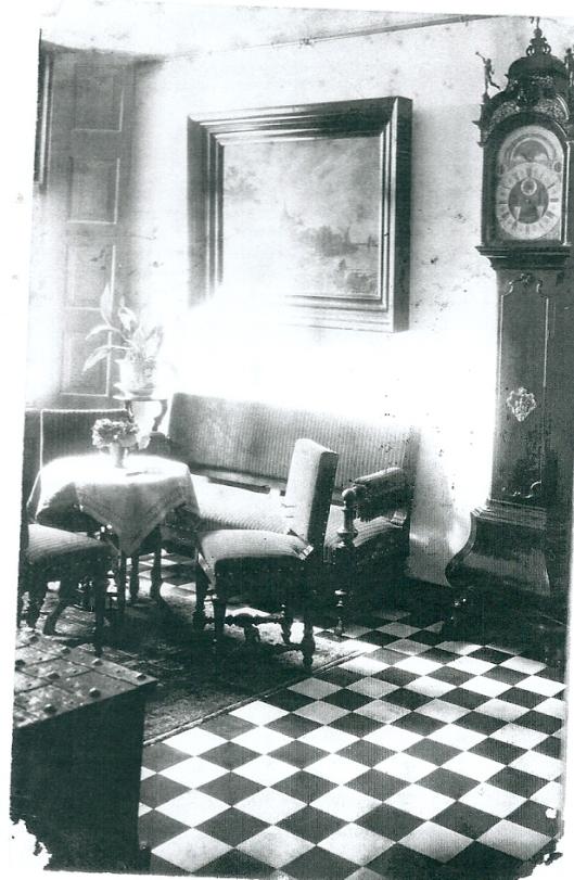 De hal in het oude huis van Kennemeroord