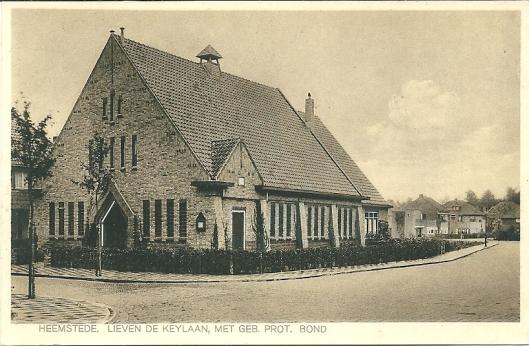 Het in 1927 gebouwde kerkgebouw van de Nederlandse Protestantenbond aan de Postlaan, sinds 1996 in gebruik van de Doopsgezinde Gemeente.