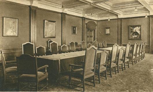 De ontvangzaal ofwel bestuurskamer, bijgenaamd de 'Paarse zaal 'Hageveld Heemstede