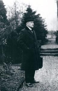Dr.E.A.M.Droog, wethouder van 9/9 1920 tot 4/9 1939 gefotografeerd in Groenendaal