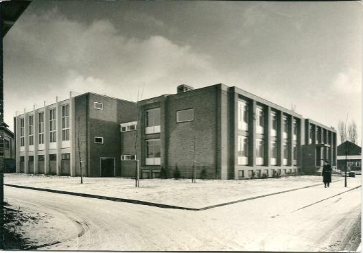 Het politiebureau aan de Cruquiusweg in Heemstede, 1966. Tien jaar later verhuisde het bureau naar de Kerklaan