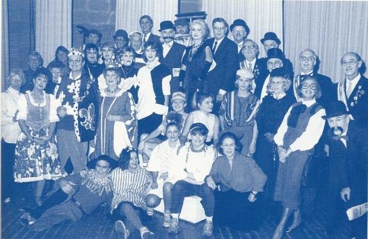 Een feestelijke verkleedpartij van Rotarians en partners van Rotaryclub Heemstede