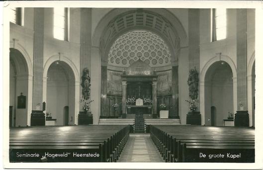 De grote kapel onder de koepel van seminarie Hageveld Heemstede