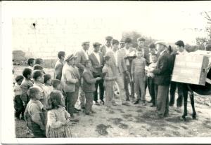 Boekenuitleen in een bergdorp in Capadocië (foto 6 april 1968)
