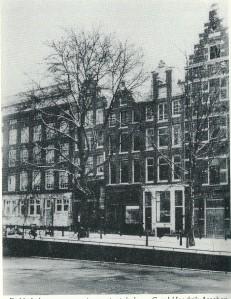 Dubbele koopmanswoning met winkel van Carel Hendrik Asschen, Kloveniersburgwal, tegenwoordig 7-9 (foto Stadsarchief Amsterdam)