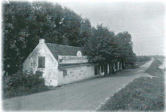 Het café van A.de Winter aan de Leidsevaartweg vlakbij de Manpadsbrug op een foto uit 1929