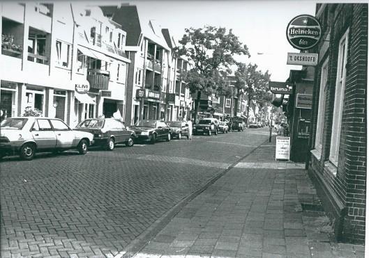 Deel van de Raadhuisstraat in 1980