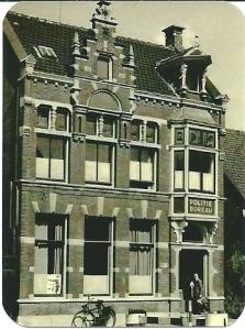 Raadhuisstraat 27, in de periode dat hier het politiebureau was gehuisvest