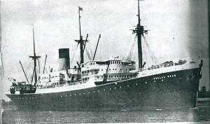 De Pelau Bras, vrachtschip met passagiersaccommodatie van de Stoomvaartmaatschappij 'Nederland'
