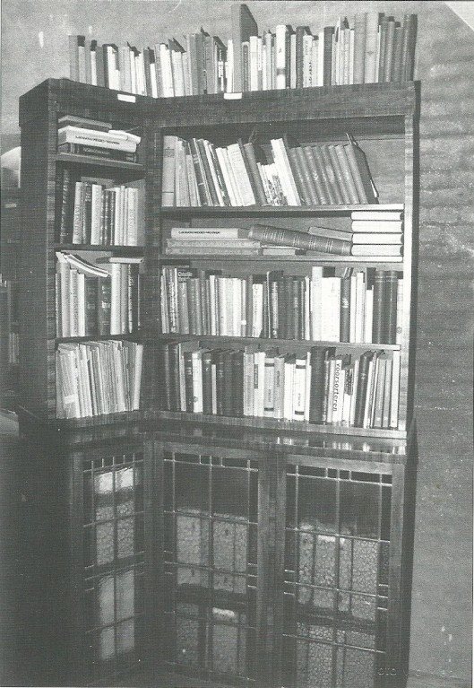De vroegere 'theologenkast' met boeken van Heemsteedse predikanten,