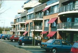 Het nieuwe Westerduin, een appartementencomplex ten noorden van de Geleerdenwijk aan de Herenweg