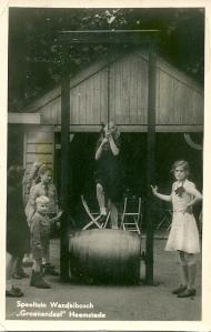Oude fotokaart van speeltuin in Groenendaal
