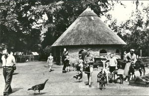 Kinderboerderij Groenendaal. Uitgave van Blokker's Boekhandel Bronsteeweg 4-4a Heemstede