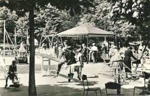 In 1959 verzonden kaart van speeltuin Groenendaal