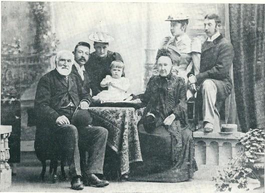Baron en barones Van Verschuer-Brants met hun kleinkinderen en achterkleinkinderen op een foto uit 1893