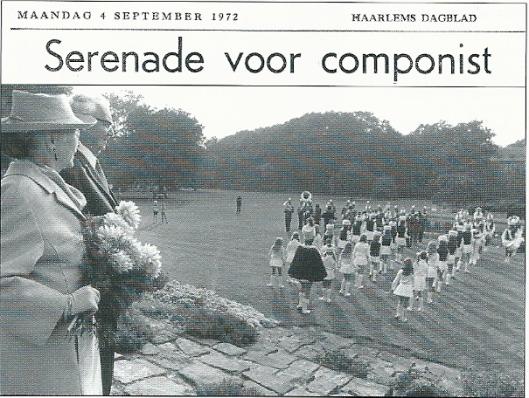 Serenade van muziekvereniging 'Kunst na Arbeid' uit Bennebroek voor Hensrik Andriessen op 3 januari 1972 bij gelegenheid van zijn 80ste verjaardag op landgoed 'Bloemenoord' van mr.H.Rhodius in Heemstede (Haarlems Dagblad, 4 september 1972)