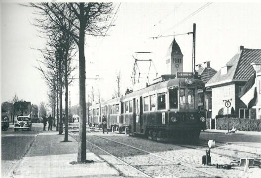 Extra tram 3, bestaande ui A515 + 2 x B500, ingeschakeld voor de Flora-tentoonstelling 1935 (foto G.J.de Swart, 4 mei 1935)