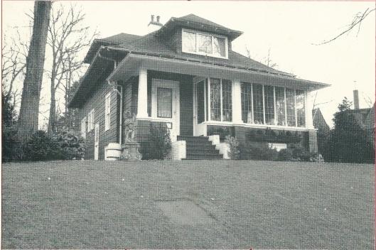 Houten woonhuis in 1920 op basis van een bouwpakket vervaardigd, type Bennet Homes, Kleine Spaarenlaan