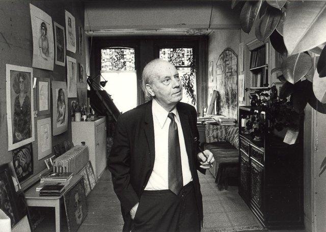 Nico Schrier (80) in zijn atelier (Cees de Boer, 1980)