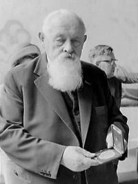 Professor dr. E.van Slogteren (1966)