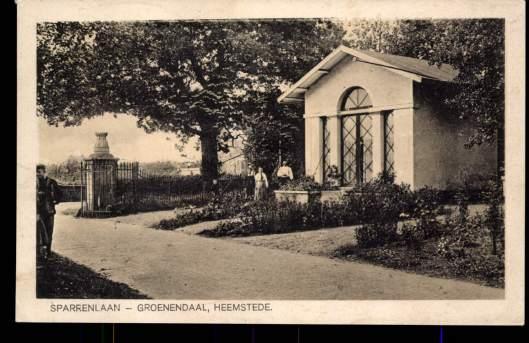 Sparrenlaan met dienstwoning Bosbeek-Groenendaal