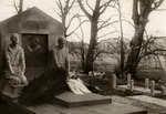 Het grafmonument van A.S.Talma door Dirk Wolbers op de begraafplaats naar de Hervormde Kerk van Bennebroek