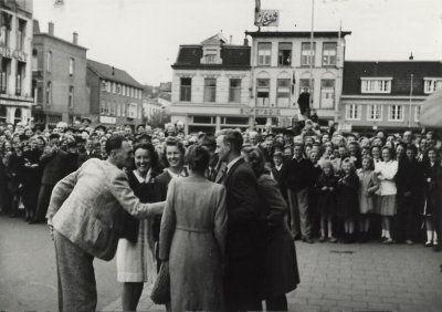 Na de bevrijding teruggekeerd in Haarlem vanuit Rees (foto N.H.Archief)