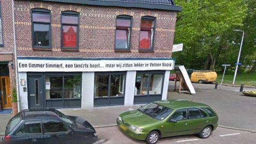 Bovenstaand rijm van aannemersbedrijf Braak uit Velsen-Noors ontving medio december 2014 de dubieuze eer van 'slechtste slogan van 20145'.  Het bedrijf zelf is er nochtans blij mee: 'Het is goed voor de naamsbekendheid. En hopelijk helpt het, nu het zo slecht gaat in de bouwwereld'. (Bron: NOS op 3)