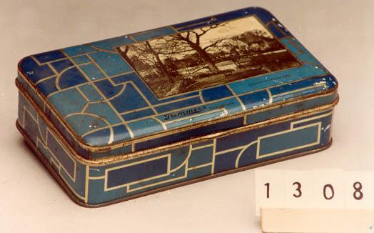Blikken doos van patisserie Tummers met foto Heemstede (Historisch Museum Deventer)