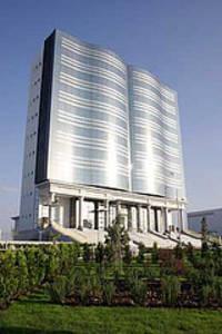 'Het huis van de creativiteit'i n Ashgabat, Turkmenistan. Een project van 17 miljoen dollar van president Nijazov gewijd aan de vrije pers, die overigens in Turkmenistan niet bestaat.