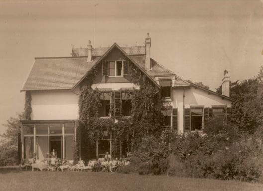 Het pand Kennemerduin als huisvesting van de stichting Unicum
